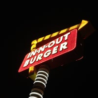Photo taken at In-N-Out Burger by Rob S. on 5/21/2012