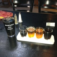 Photo taken at Maui Brewing Co. Brewpub by Marna B. on 9/3/2012