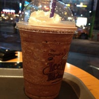Photo taken at The Coffee Bean & Tea Leaf by INSS. K. on 8/15/2012
