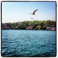 Photo taken at İskele Cafe & İzmir Lokmacısı by Erkan on 4/25/2013