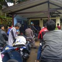 Photo taken at Kantor Samsat Kota Tangerang by Rimba S. on 1/2/2013