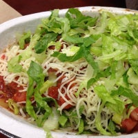 Photo taken at Chipotle Mexican Grill by Jansen G. on 11/11/2012