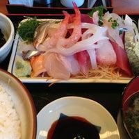 Photo taken at 魚鐵 by Yoshihisa M. on 1/22/2013