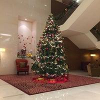 Photo taken at Sukhumvit Park, Bangkok - Marriott Executive Apartments by はっち on 1/1/2016