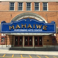 Photo taken at The Mahaiwe Performing Arts Center by Matt W. on 7/24/2016