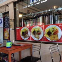 Photo taken at Im-A-Roi Restaurant (อิ่มอร่อย) by Ivan S. on 12/20/2013