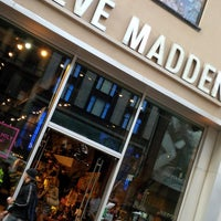 Photo taken at Steve Madden by eSpacioShop .. on 5/18/2014