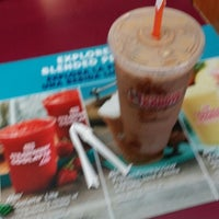 Photo taken at Dunkin Donuts by Randee C. on 1/20/2015