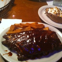 Photo taken at Texas Roadhouse by Matt A. on 9/21/2012
