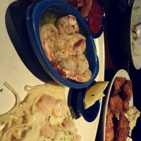 Photo taken at Red Lobster by Sarah🇰🇼 on 5/3/2016