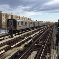 Photo taken at MTA Subway - Pelham Parkway (2/5) by Yushi I. on 4/6/2016