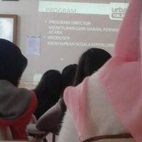Photo taken at SMA Negeri 9 Bandung by Nisri H. on 9/27/2014