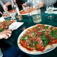 Photo taken at Pizza Hatt by Oscar N. on 8/12/2014