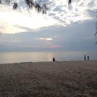 Photo taken at Sri Pantai Chalet Melawi, Bachok by cikalynn . on 9/14/2016