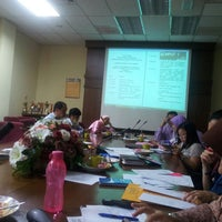 Photo taken at Fakulti Sains Makanan Dan Pemakanan by Jane E. on 11/19/2013