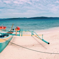 Photo taken at Pulau Lihaga (Lihaga Island) by Dwidyawati M. on 7/31/2014