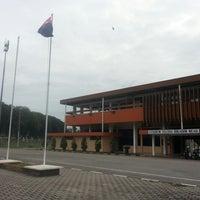 Photo taken at Stadium Sultan Ibrahim, Muar by ♛-∂ÑƝă_Ƨ'ӃĻ®™©-♛ on 11/18/2014