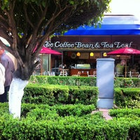 Photo taken at The Coffee Bean & Tea Leaf by Sari A. on 1/13/2013