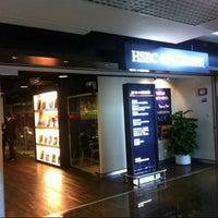Photo taken at HSBC 匯豐 by Venny F. V. on 4/24/2013