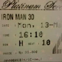 Photo taken at Platinum Screens by Iiq H. on 5/13/2013