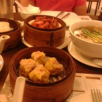 Photo taken at Yang Chow Dimsum & Teahouse by Ivy P. on 1/13/2014