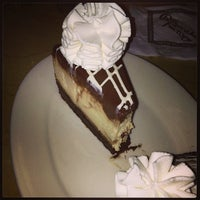 Photo taken at The Cheesecake Factory by Maximo S. on 7/24/2013