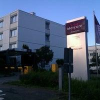 Photo taken at Mercure Hotel Stuttgart Böblingen by Uwe M. on 6/26/2012