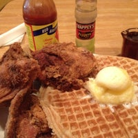 Photo taken at Lo-Lo's Chicken & Waffles by Odeen D. on 8/13/2012