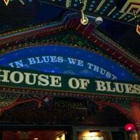 Foto diambil di House of Blues oleh Scott M. pada 7/9/2012