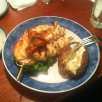 Photo taken at Red Lobster by Fahri S. on 5/2/2012