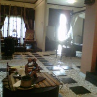 Photo taken at Rumah Diva Spa by Arikaa R. on 4/14/2012