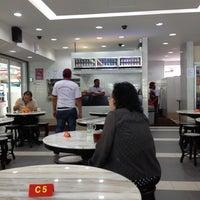 Photo taken at Restoran Ho Ho Sek (好好吃) by Jennifer L. on 2/21/2012