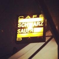 Photo taken at Café Schwarzsauer by Stefan G. on 12/27/2011