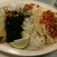 Photo taken at Wahoo's Fish Taco by Carolyn S. on 10/19/2011