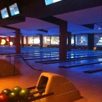 Photo taken at Bowlmor Cupertino by Riccardo P. on 3/2/2012