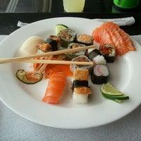 Photo taken at Max Sushi by Tiago H. on 10/15/2011