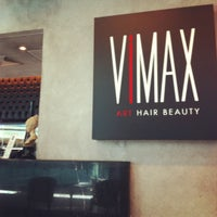 Photo taken at Vimax Art Hair Beauty by Rodolfo S. on 5/20/2012