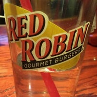Photo taken at Red Robin Gourmet Burgers by Jocelyn on 1/23/2012