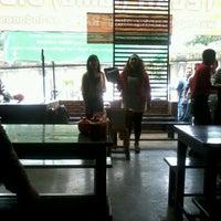 Photo taken at Bebek Kaleyo by Dimas A. on 3/16/2012