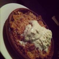 Photo taken at Est Pizzeria by Glenn L. on 9/2/2012