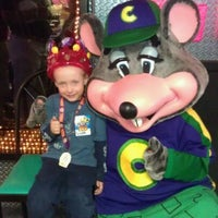 Photo taken at Chuck E. Cheese's by Devonne D. on 3/12/2012