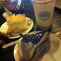 Photo taken at The Tide Bakery and Cafe by thani a. on 3/31/2012