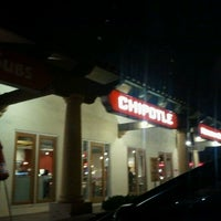 Photo taken at Chipotle Mexican Grill by Di R. on 10/7/2011