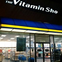 Photo taken at Vitamin Shoppe #224 by Connon C. on 10/29/2011