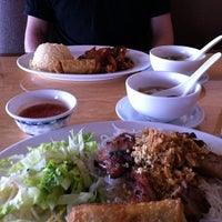 Photo taken at A Dong Chinese/Vietnamese Restaurant by Alfred M. on 2/9/2012