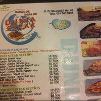 Photo taken at Dunia Steak by Yohanes B. on 11/30/2011