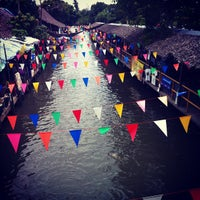 Photo taken at Klong Lat Mayom Floating Market by Thitiphan P. on 9/2/2012
