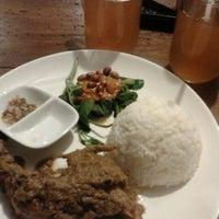 Photo taken at Ayam Kampus by Putrii A. on 3/21/2012