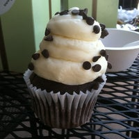 Photo taken at Gigi's Cupcakes by Caitlin on 10/26/2011
