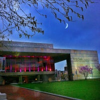 Photo taken at National Constitution Center by Douglas P. S. on 4/4/2012
